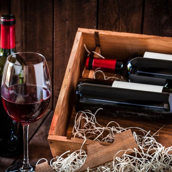 Bio Wein in schöner Holzkiste